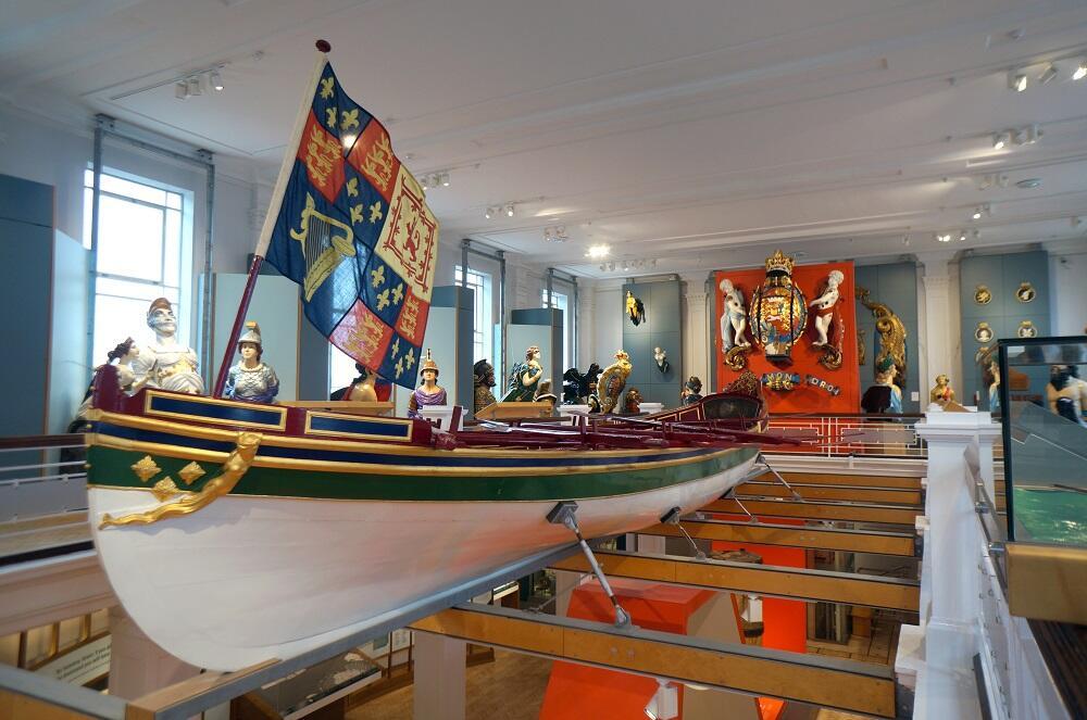 HMS 5